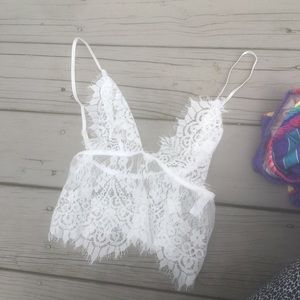 Sexy white lace cropped top for festivals and nite